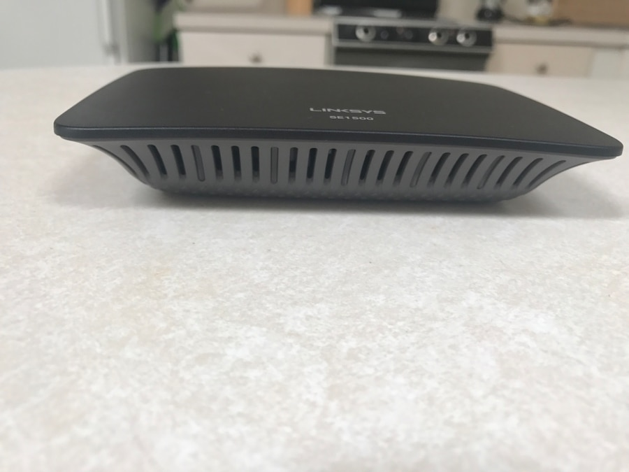 black Linksys SE1500 - La Mesa