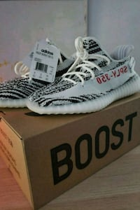 pair of Zebra Adidas Yeezy Boost 350 V2 with box Toronto, M1C 5E6