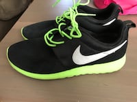 Nike running shoes size 7y
