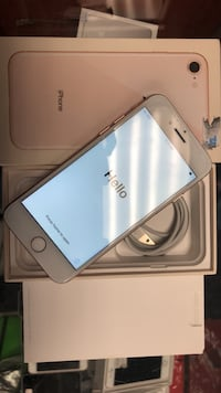 gold iPhone 8 with box and Lightning to USB cable Toronto, M2M