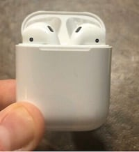 Airpods gen 1 Vancouver, V6B 1T8