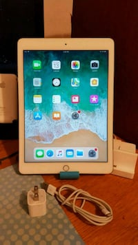 iPad Air 2, 16GB, Gold, Wifi Only Falls Church, 22042