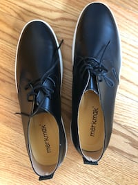 Men's shoes size 10m Tiverton, 02878