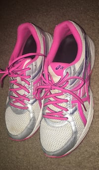 pair of gray-and-pink Nike running shoes Elkridge, 21075