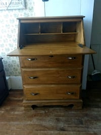 Nice 3 drawer desk  Milton, 03851