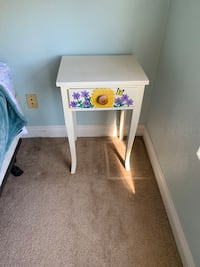 Vintage Pretty flower side table hand painted