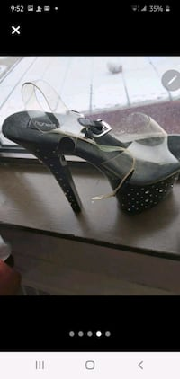 *BRAND NEW NEVER WORN* SIZE 8 BUT FIT ME AND I'M A 9