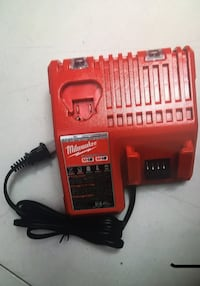 MIlWAUKEE  Regular Charge M12 - M18  New Brand   Cargador Nuevo  Los Angeles, 91343