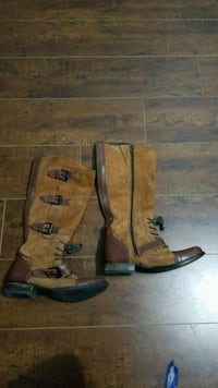 Size 7 brown suede boots Toronto, M1R 3A7