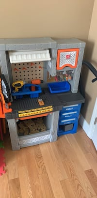 Step 2 tool bench w all accessories!