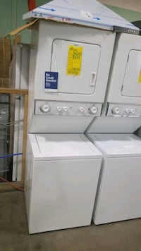 Ge electric laundry center 24x72,  Queens