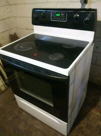 Self cleaning electric stove installed Livonia, 48152