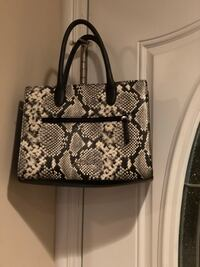 Black and white floral leather tote bag Chicago, 60652