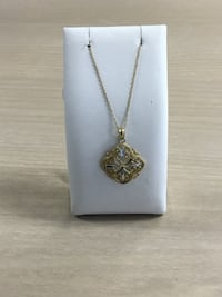 10k gold two toned necklace North Royalton, 44133