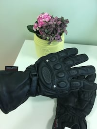 Pair of black leather gloves for man Toronto, M5J