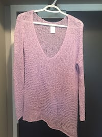 pink v-neck sweater Whitby, L1N 2J2