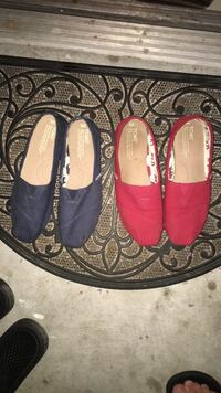Pair of red-and-black slip on shoes Orlando, 32835