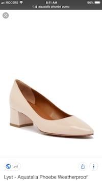 Aquatalia Pheobe Pumps Size 7.5 Surrey