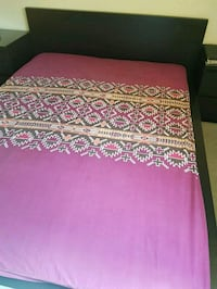 pink and white floral bed sheet Winnipeg, R3T 3M2