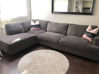 GREY SECTIONAL COUCH Toronto, M8Y 1N3