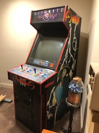 Mortal Kombat full size arcade game Highland, 20777