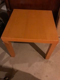 Little table  Vaughan, L4L 8X2