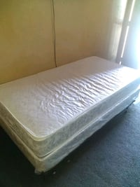 Twin bed in like new condition