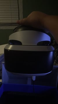 PlayStation 4 VR Headset W/ manuel, move controllers, and demo disc Morganville, 07751