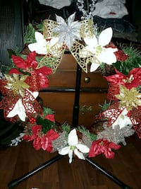 white and red floral wreath Prairieville, 70769