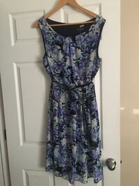 Women's blue and white floral sleeveless dress Hamilton, L8P 4Y3