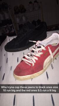 pair of red-and-white Nike sneakers Narvon, 17555