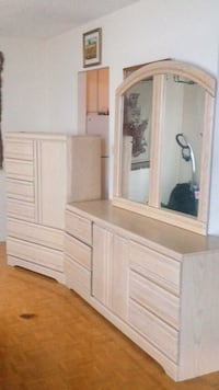 TWO DRESSERS IN NEW CONDITION Mississauga, L5B 1V2