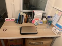 New medium sized desk for sale District of Columbia
