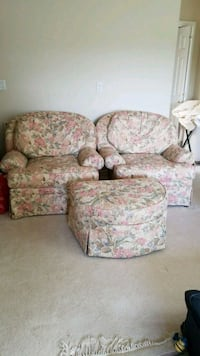 Sofa set with 2 chairs and ottoman Snohomish, 98296