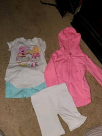 outfit,  1 hoodie, 1 pair of capri size 3t South Bend, 46614