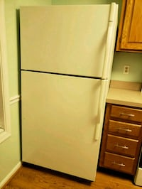 Kenmore white top-mount refrigerator Arlington, 22204