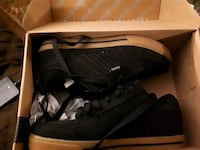 pair of black Nike basketball shoes with box Niagara Falls, L2G 5Z6