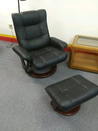 Leather Chair. w/ Foot stool Jacksonville, 32244