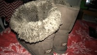 Pair of brown UGG  switch up snow boots with fur in the inside & buttons on side; size-7 youth/ women , 10/10 condition, please note that all items clothes will be washed before handed to purchase & shoes will be cleaned before handed to purchase these ph Woodbridge, 22192