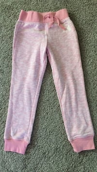 Girls sz 4/5 sweats EUC Vernon, V1T