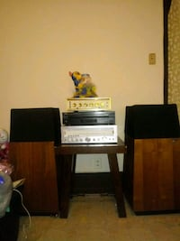 CD changer and receiver speakers n amplifier sold Reading, 19602