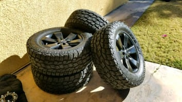 """LIKE NEW!!! 35"""" Toyo Open Country Xtreme"""