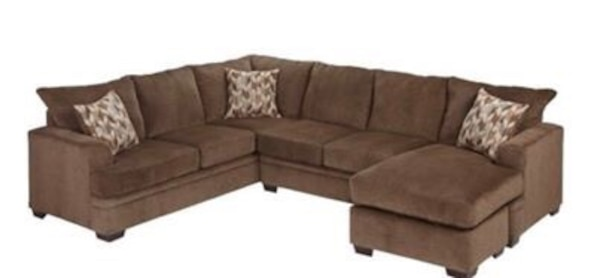 Used Sectional Brenton Sofa Rooms To Go For Sale In Pembroke