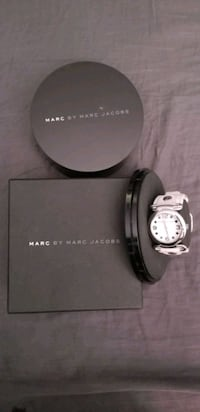 MARC JABOBS white leather strap watch  Toronto, M5A 1M1