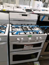 New Kenmore  Jenn air gas stove double oven