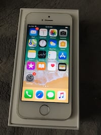 iPhones 5s unlocked 64gb  Toronto, M9P 3V3