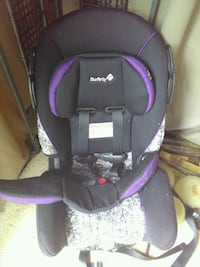 black and purple car seat carrier 536 km