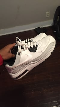 Pair of white-and-black nike low-top sneakers Clarksville, 37043
