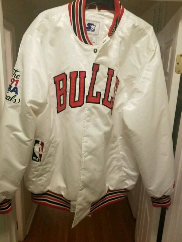 white and red Chicago Bulls zip-up jacket
