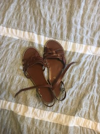 American eagle sandals brown super cute on, size 8 Vancouver, 98682